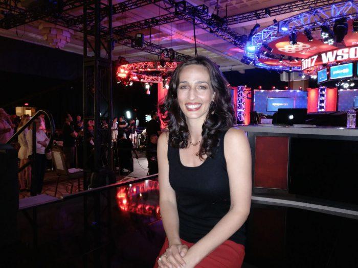 Die WSOP Moderatorin Kara Scott